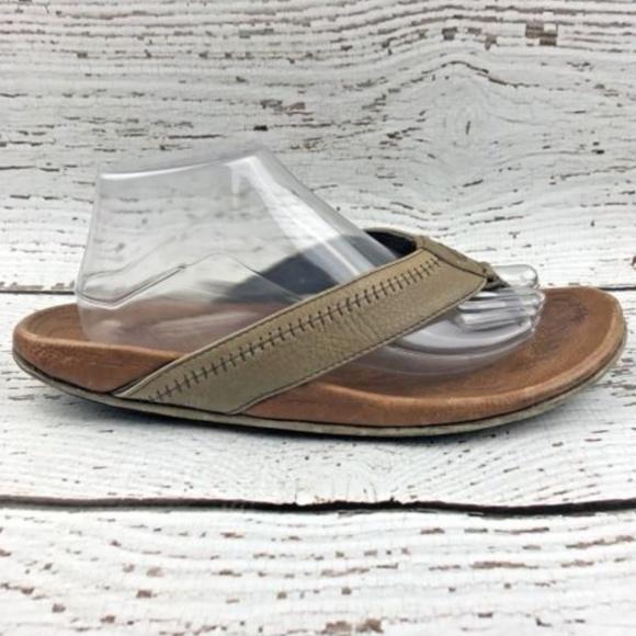 b02a35d51 OLUKAI Hiapo Mens Size 10 Leather FlipFlop Sandals.  M 5b3c82ec3e0caa3aa360aff0